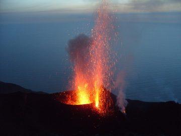 Ausbruch auf der Insel Stromboli