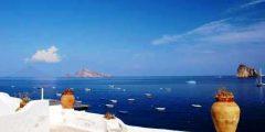 Détente et vacances sur l'île de Panarea, îles Éoliennes