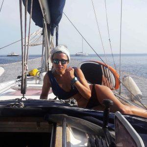 Чартер кают Эолийские острова — Посадка в одиночку — Отдых на парусной лодке — Индивидуальная посадка — Эолийские острова — Сицилия Италия — Приключение на море — Путешествие пар — Путешествие к Средиземному морю