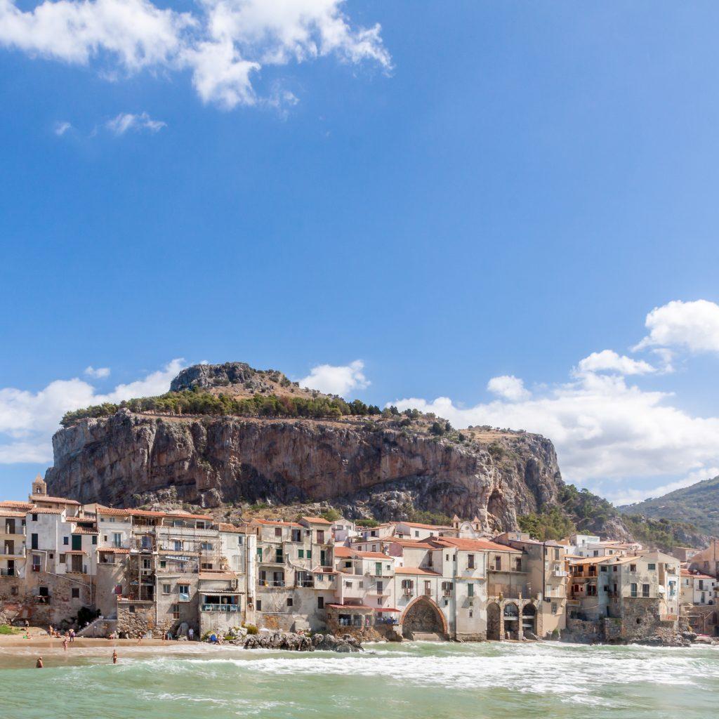 Чефалу, Сицилия, Италия - Трансфер из Чефалу в порт Милаццо