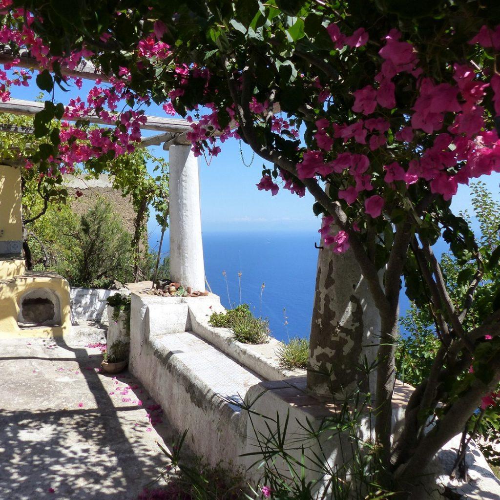 Isola di Alicudi, Isole Eolie Sicilia - Escursioni, Crociere, Tours in barca, Vacanze alle Isole Eolie