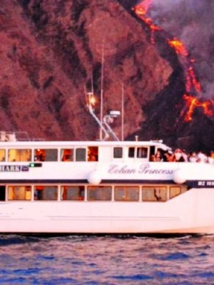Моторная лодка Мини-круиз Стромболи ночью