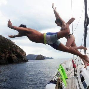 Неделя на Эолийские острова на парусной лодке — чартер каюты Индивидуальная посадка на лодку Eolie Cruise Holiday парусная лодка — еженедельные рейсы в субботу из Милаццо
